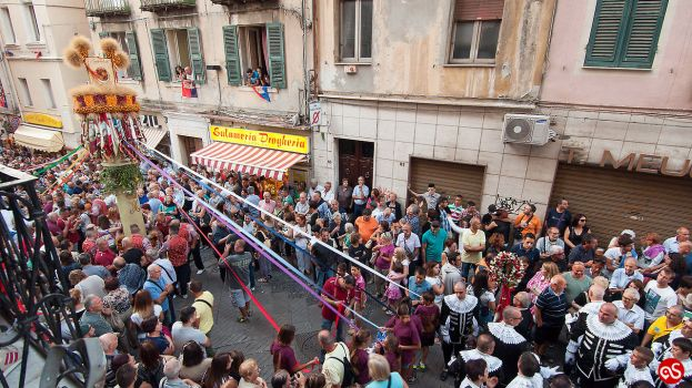 THE DESCENT OF CANDELIERI: A UNESCO INTANGIBLE HERITAGE