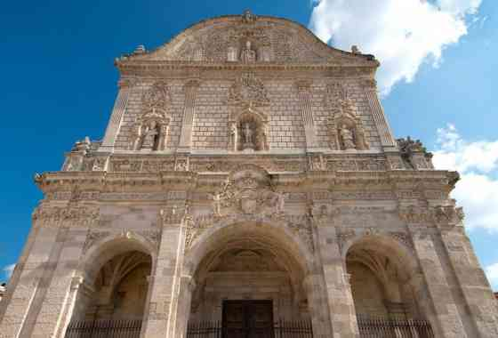 THE CATHEDRAL OF SAINT NICOLA: THE BAROQUE JEWEL OF THE CITY